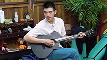 Plus版第9期:陈飞宇深情弹唱