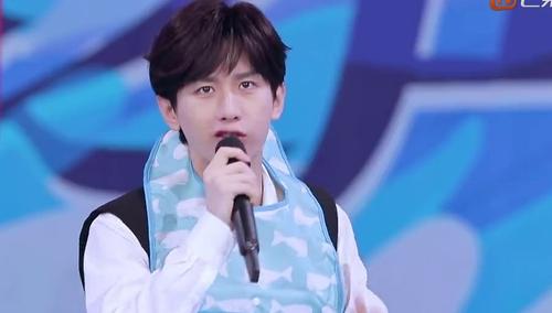 ���옷�I��8��28�տ��c�U����(yi)�F��(chang)������� Ӿ(yong)��(chi)���(zhan)Ц�ϰ�(bai)��